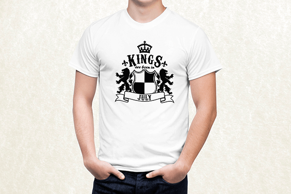 Kings are born in July T-shirt